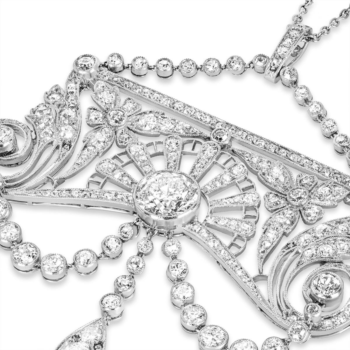 A Belle ÉpoqueDiamond Pendant in Platinum C.1910
